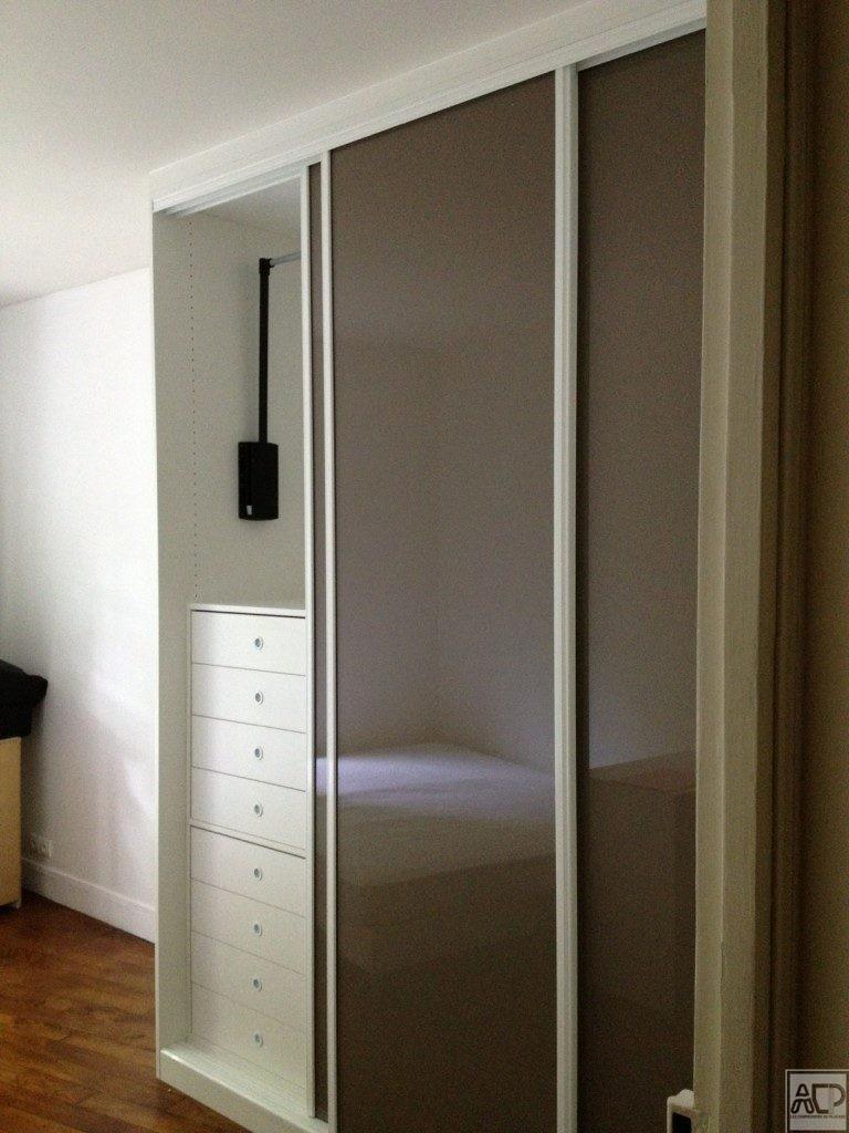 Choisir son placard sur mesure la porte coulissante - Porte de placard persienne coulissante ...